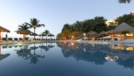 All Inclusive Day Pass Grand Palladium Vallarta Resort & Spa Rivercourse
