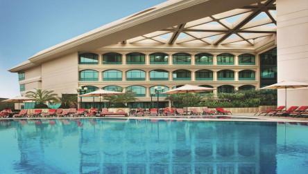 Pool Day Pass Mövenpick Grand Al Bustan Dubai Dubai